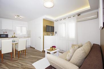 Baška Voda, Salon dans l'hébergement en type apartment, climatisation disponible et WiFi.