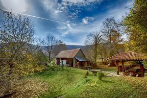 Rodinný dům s parkovištěm Bužim (Velebit) - 17572