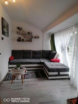 Tounj, Obývací pokoj v ubytování typu house, s klimatizací, domácí mazlíčci povoleni a WiFi.