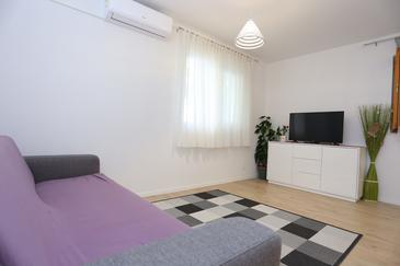 Podstrana, Dnevni boravak u smještaju tipa apartment, dostupna klima i WiFi.