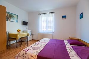 Apartments and rooms with parking space Kraljevica - 17589