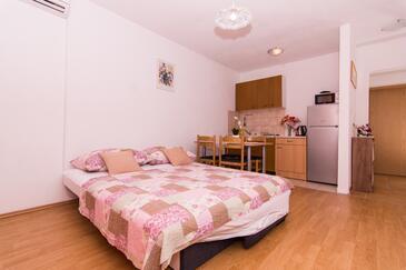 Trogir, Obývacia izba v ubytovacej jednotke apartment, klimatizácia k dispozícii a WiFi.