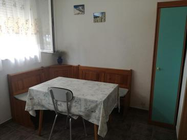 Lađin Porat, Comedor in the apartment.