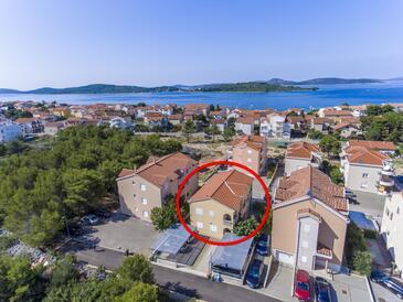 Srima - Vodice, Vodice, Property 17660 - Apartments with pebble beach.