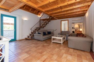 Guduće, Гостиная в размещении типа house, доступный кондиционер и WiFi.