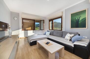 Staševica, Obývací pokoj v ubytování typu house, s klimatizací, domácí mazlíčci povoleni a WiFi.