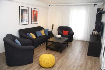 Sveti Filip i Jakov, Obývacia izba v ubytovacej jednotke apartment, klimatizácia k dispozícii a WiFi.