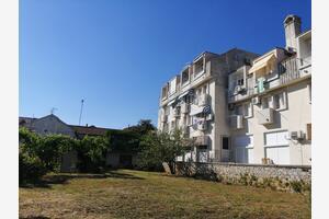 Apartments by the sea Sveti Filip i Jakov (Biograd) - 17676