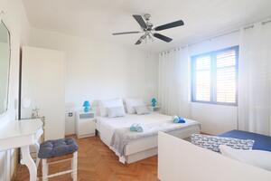 Apartments with a parking space Pirovac (Šibenik) - 17680