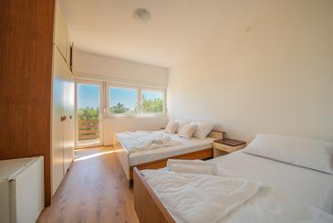 Starigrad, Dormitor în unitate de cazare tip room, animale de companie sunt acceptate şi WiFi.