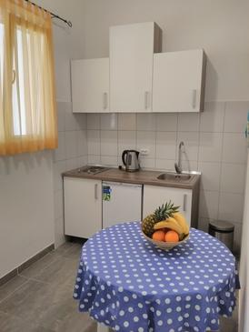 Kanica, Kitchen in the apartment, air condition available and WiFi.