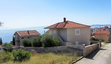 Bušinci, Čiovo, Objekt 17701 - Apartmani sa šljunčanom plažom.