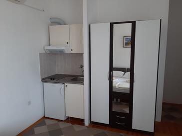 Tisno, Kuchyně v ubytování typu studio-apartment, WiFi.