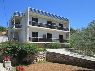 Tisno, Murter, Property 17716 - Apartments near sea with pebble beach.
