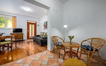 Rabac, Obývací pokoj v ubytování typu apartment, domácí mazlíčci povoleni a WiFi.