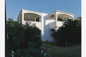 Seaside apartments with a swimming pool Pag - 17752