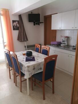 Vrsi - Mulo, Blagovaonica u smještaju tipa apartment, kućni ljubimci dozvoljeni i WiFi.
