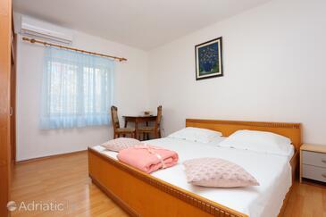 Split, Spavaća soba u smještaju tipa room, dostupna klima, kućni ljubimci dozvoljeni i WiFi.