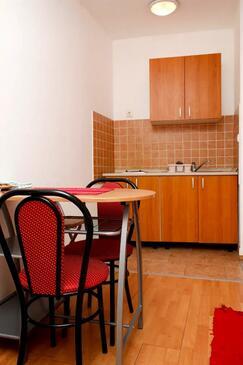 Petrčane, Kuchyně v ubytování typu studio-apartment, WiFi.