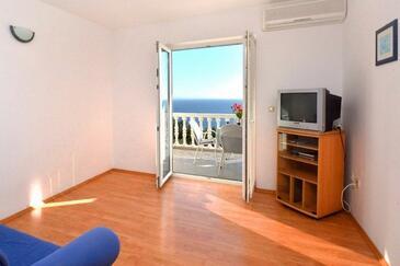 Ivan Dolac, Гостиная в размещении типа studio-apartment, доступный кондиционер и WiFi.