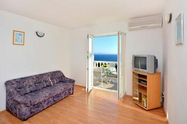 Ivan Dolac, Living room in the studio-apartment, air condition available and WiFi.