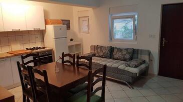 Nin, Гостиная в размещении типа apartment, доступный кондиционер, Домашние животные допускаются и WiFi.