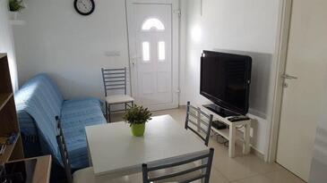 Nin, Wohnzimmer in folgender Unterkunftsart apartment, Klimaanlage vorhanden und WiFi.