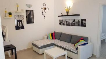 Nin, Гостиная в размещении типа apartment, доступный кондиционер и WiFi.
