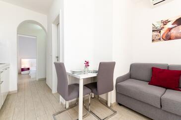 Mavarštica, Jídelna v ubytování typu apartment, s klimatizací, domácí mazlíčci povoleni a WiFi.