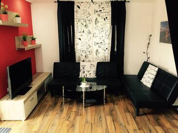 Oštarski Stanovi, Obývací pokoj v ubytování typu studio-apartment, s klimatizací a WiFi.