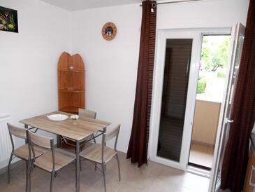 Tribanj Šibuljina, Dining room in the apartment, WiFi.