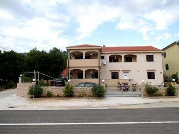 Tribanj Šibuljina, Paklenica, Property 17818 - Apartments near sea with pebble beach.