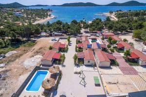 Family friendly apartments with a swimming pool Drage (Biograd) - 17819