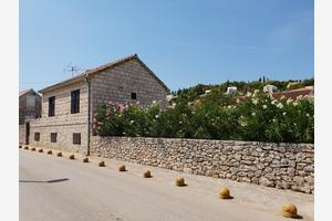 Apartments with WiFi Sutivan (Brač) - 17825