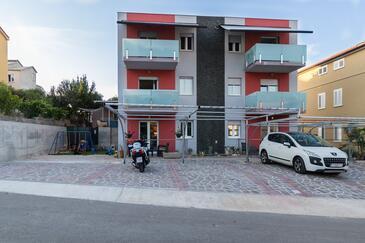 Grebaštica, Šibenik, Объект 17831 - Апартаменты и комнаты с галечным пляжем.