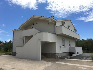 Bibinje, Zadar, Объект 17855 - Апартаменты с галечным пляжем.