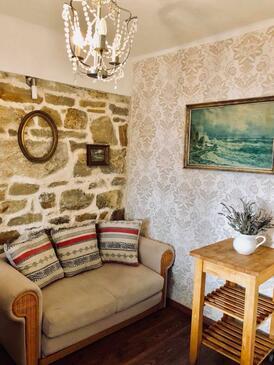 Supetarska Draga - Gonar, Living room in the apartment, (pet friendly) and WiFi.