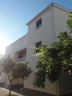 Podstrana, Split, Objekt 17864 - Apartmani sa pješčanom plažom.