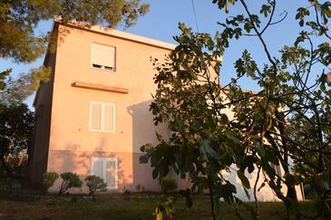 Starigrad, Paklenica, Property 17865 - Apartments near sea with pebble beach.
