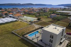 Family friendly apartments with a swimming pool Seget Donji (Trogir) - 17869