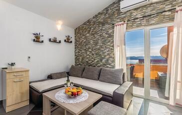 Ribarica, Salon dans l'hébergement en type apartment, climatisation disponible, animaux acceptés et WiFi.
