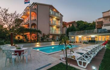 Podstrana, Split, Property 17887 - Apartments with pebble beach.