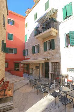 Makarska, Makarska, Objekt 17903 - Apartmaji v bližini morja s prodnato plažo.
