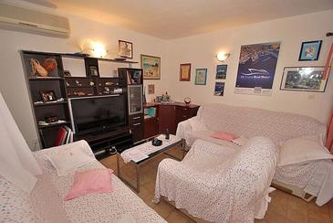 Rogoznica, Living room in the apartment, air condition available, (pet friendly) and WiFi.