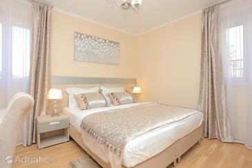 Kaštel Novi, Спальня в размещении типа room, доступный кондиционер и WiFi.