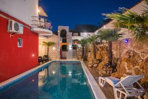 Family friendly house with a swimming pool Sibenik - 17931