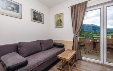 Jasenak, Salon dans l'hébergement en type apartment, animaux acceptés et WiFi.