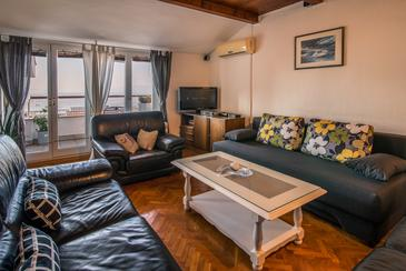 Rijeka, Living room in the apartment, air condition available and WiFi.
