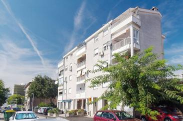 Rijeka, Rijeka, Property 17933 - Apartments with pebble beach.