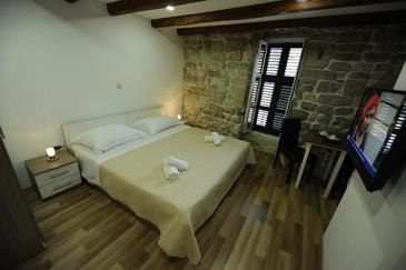 Split, Bedroom in the room, air condition available and WiFi.